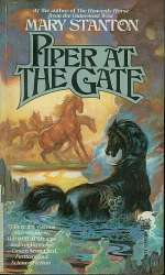 Piper at the Gate (Heavenly Horse, #2)