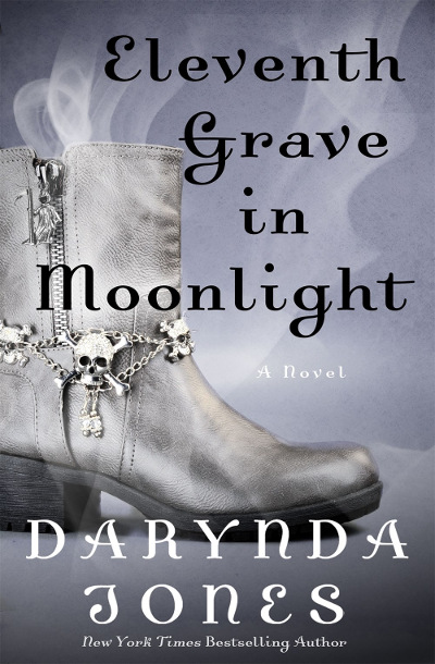 Eleventh Grave in Moonlight (Charley Davidson #11) - Darynda Jones